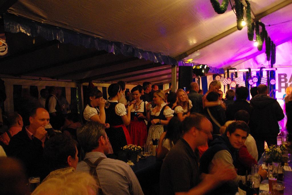 oktoberfest-enzianhuette2010-13