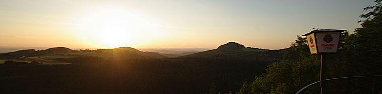 Sonnenuntergang von der Terrasse der Enzianhütte aus gesehen