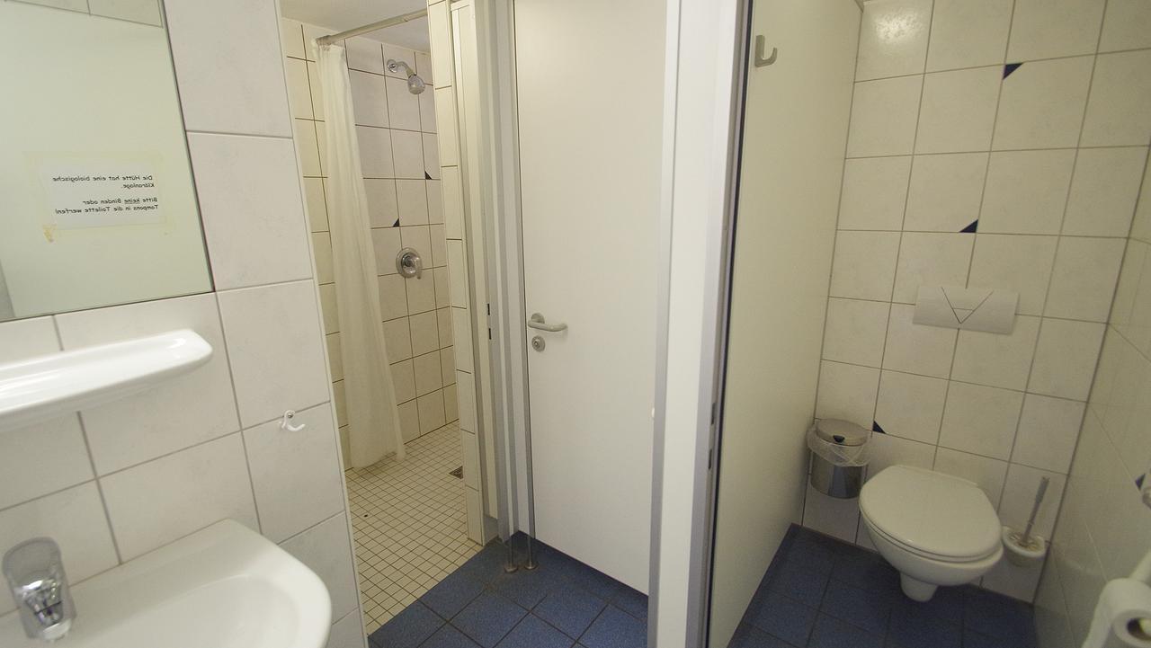 duschen wc enzianh tte rh n. Black Bedroom Furniture Sets. Home Design Ideas