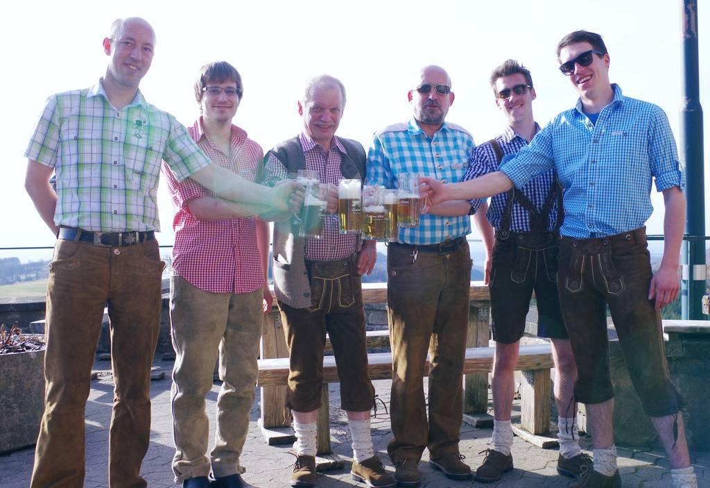 Männerrunde vom Team Enzianhütte Rhön
