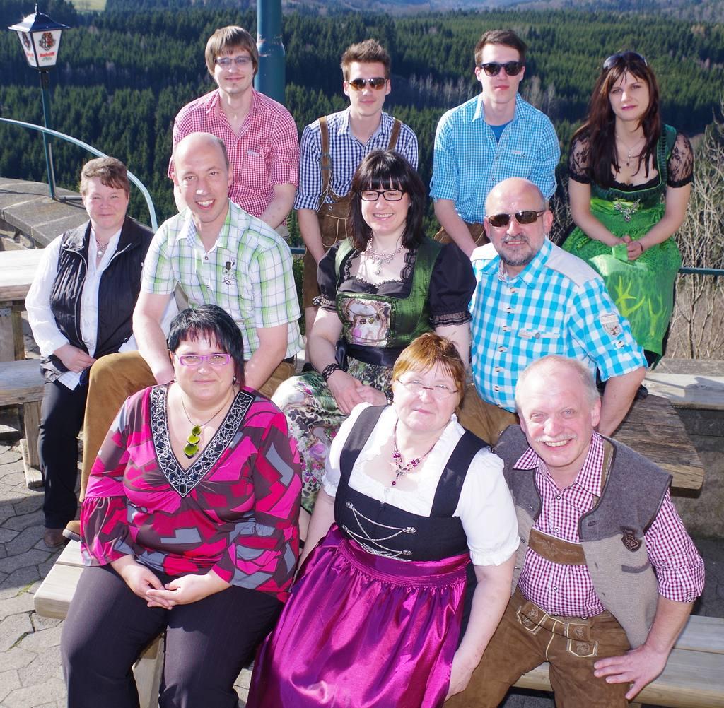 Team Enzianhütte auf der Terrasse